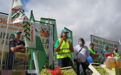 UCCL acude a la concentración de hoy día 15 a las puertas del Ministerio para reclamar una PAC para los ATPs